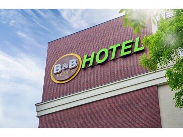590_443_crop_news_bb-hotels-fasada-logo-01