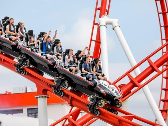 Rodzinna rozrywka z adrenaliną w wyścigowej prędkości   Justyna Dziedzic, Energylandia